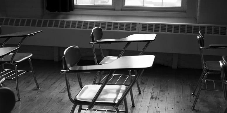 Die nasionale Covid-19 bevelsraad vergader tans met die departement van Basiese Onderwys oor die heropening van skole