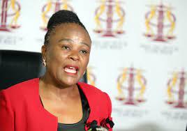Mkhwebane betwis die hofuitspraak van haar verslag oor president Cyril Ramaphosa se CR-17 veldtog